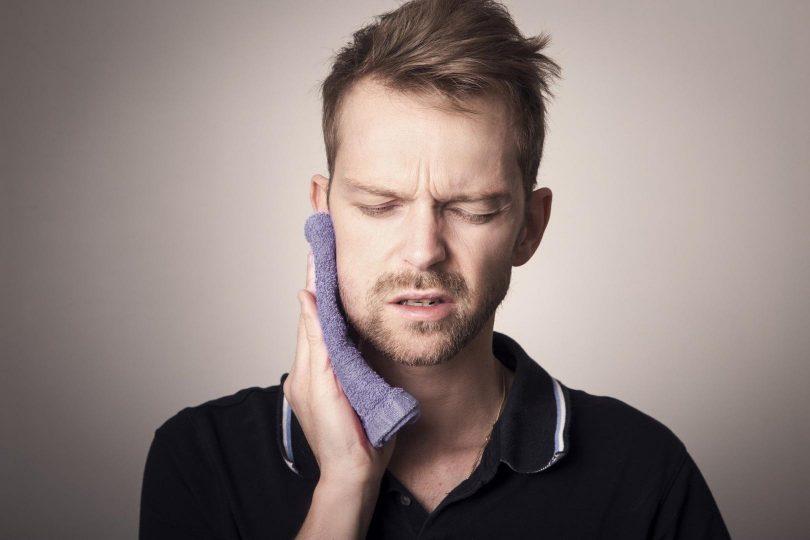 Bei Kieferschmerzen ermöglicht die Kraniosakraltherapie Linderung und Heilung.